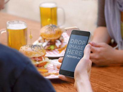 iPhone 6: Hamburger Social