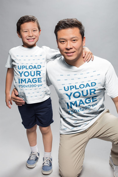 T-Shirt Mockup of a Father with his Son a20954