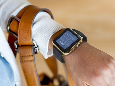 Young Woman Wearing a Apple Watch and a Handbag Mockup Tool
