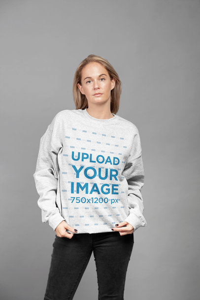 Sweatshirt Mockup of a Short-Haired Blonde Woman at a Studio 23945