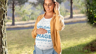 Parallax Video of a Glowing Pregnant Woman Wearing a T-Shirt 27540
