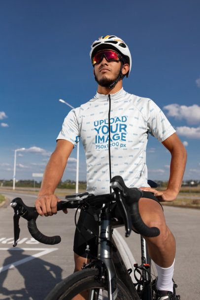 Cycling Jersey Mockup of a Male Cyclist in the City 30784