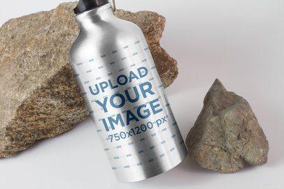 Aluminum Bottle Mockup Featuring a Minimal Setting 3086-el1