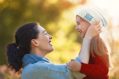 Beanie Mockup of a Little Girl with Her Mom 34664-r-el2