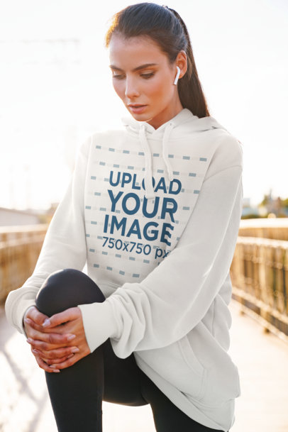 Hoodie Mockup of a Woman Getting Ready to Go for a Run 34524-r-el2