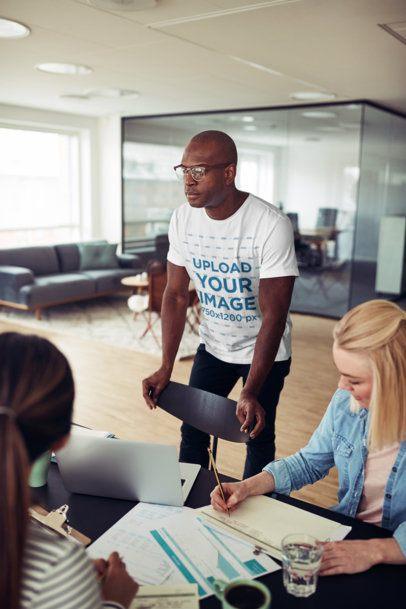T-Shirt Mockup of a Man at a Meeting 38950-r-el2