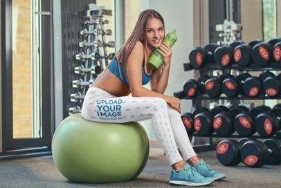 Side-View Leggings Mockup of a Young Woman at the Gym 37725-r-el2