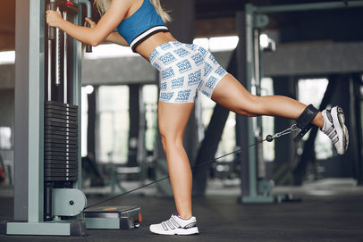 Bike Shorts Mockup Featuring a Woman Working Out at the Gym 41475-r-el2
