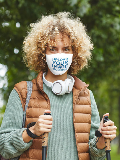 Face Mask Mockup of a Curly-Haired Hiker in the Woods 44272-r-el2