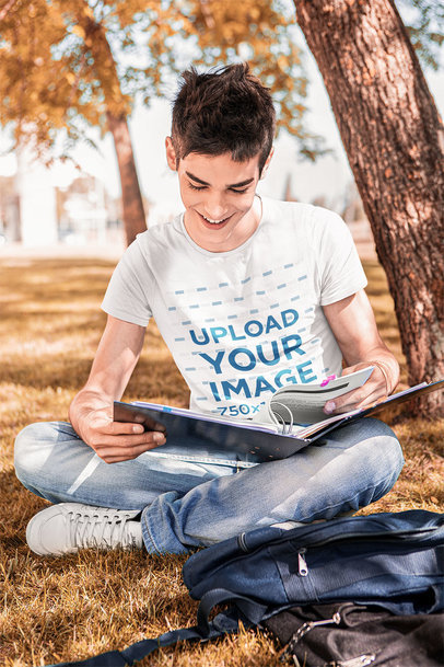T-Shirt Mockup Featuring a Happy Freshman on Campus 40916-r-el2